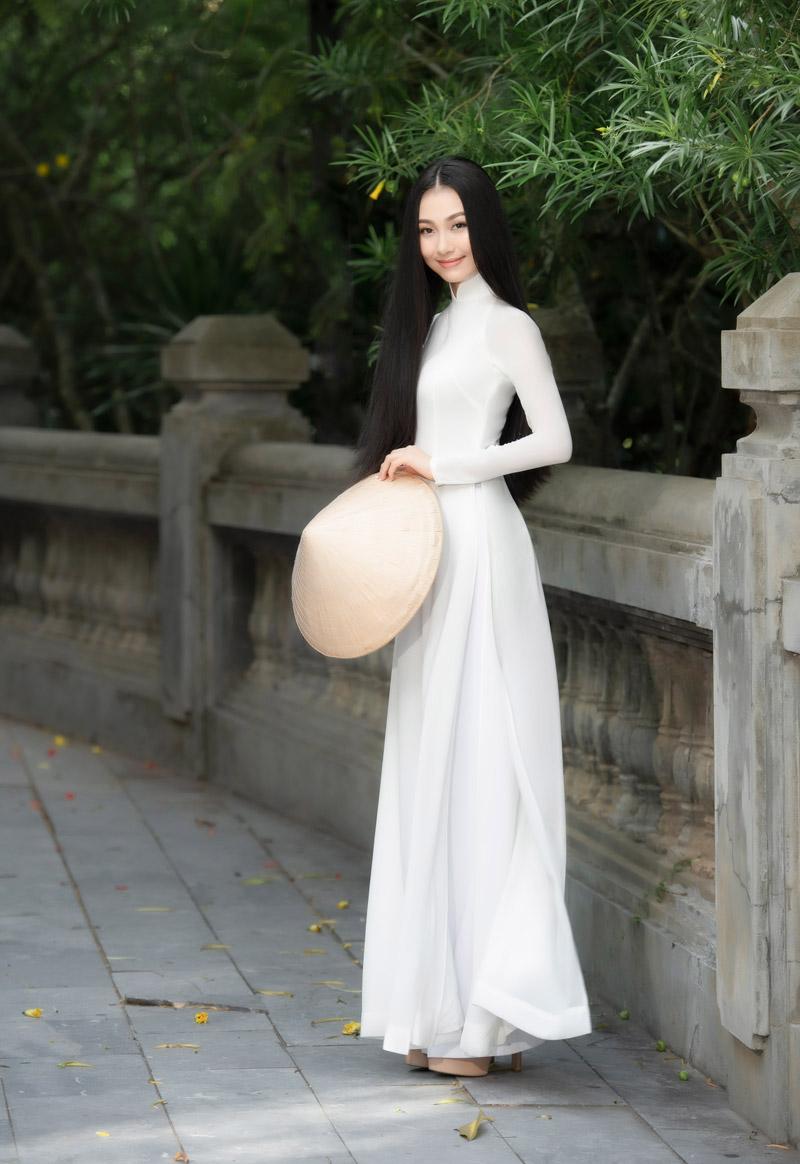 Nhan sắc xinh đẹp của Người đẹp áo dài Bùi Nữ Kiều Vỹ sau 4 năm Hoa hậu Việt Nam 1