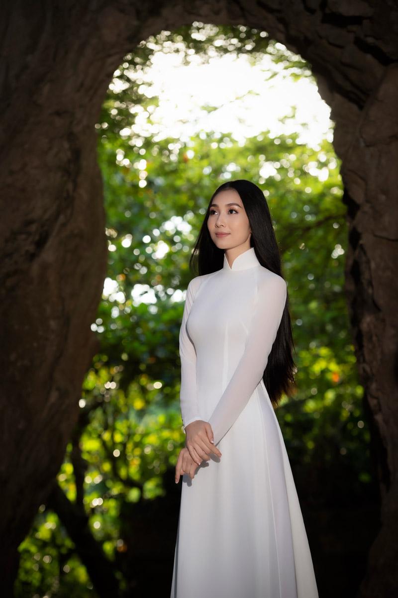 Nhan sắc xinh đẹp của Người đẹp áo dài Bùi Nữ Kiều Vỹ sau 4 năm Hoa hậu Việt Nam 5