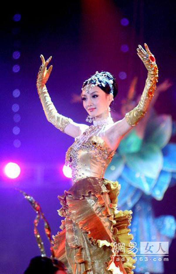 Tác phẩm nào đã giúp Lưu Diệc Phi, Triệu Lệ Dĩnh, Tống Thiến,… trở thành Nữ thần Kim Ưng? 2