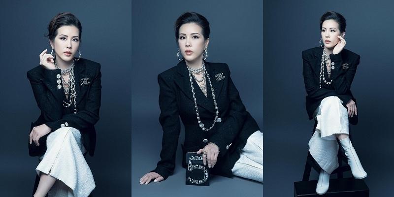 Trước đó, thiết kế vòng chuỗi dài của Chanel cũng từng được nhiều người đẹp Vbiz lăng xê. Nếu như cách phối cùng với trang phục đồ tắm của Lệ Quyên tạo ra sự mới lạ thì những mỹ nhân khác lại mang đến thần thái đầy uy lực. Trung thành với nét thanh lịch và quyến rũ, hoa hậu Thu Hoài luôn cập nhật những xu hướng thời trang mới, cô đã mix set dây chuyền có giá không hề nhỏ cùng bộ outfits tweed đầy quý phái trong một bộ ảnh.