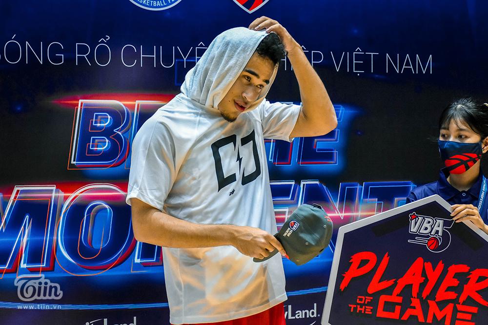 Trên Fanpage của mùa giải, Christian được vinh danh 'Player of Game' với thành tích 33 PTS, 4 RB, 7 AST.