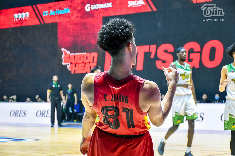 Loạt khoảnh khắc tỏa sáng của Christian Juzang trong ngày 'debut' ở đội hình Saigon Heat 14