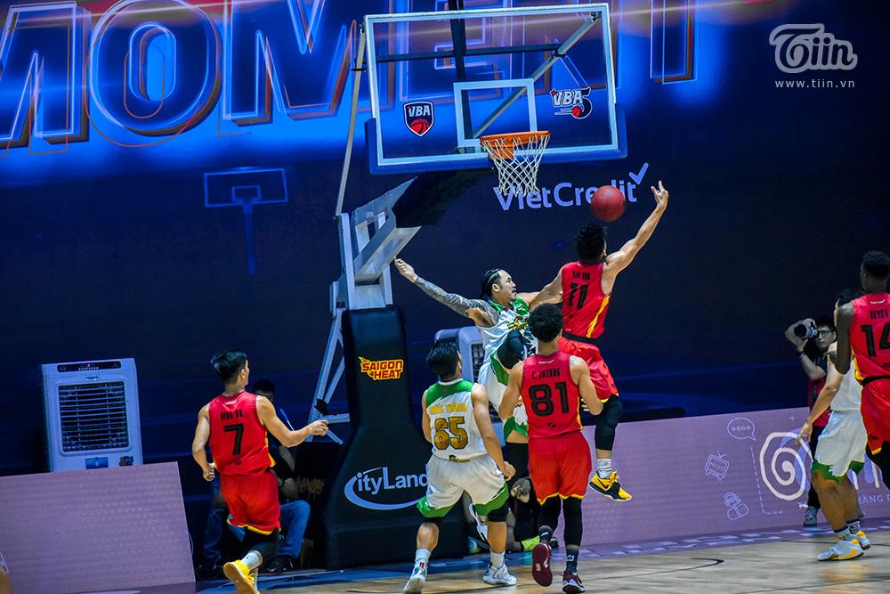 Photo Story: Saigon Heat thắng đậm Cantho Catfish trong trận 'tái đấu' 9