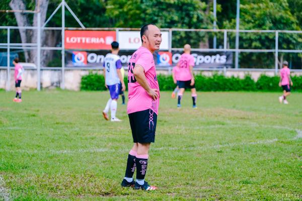 Tiến Luật, Hồ Việt Trung, Titi (HKT) cùng dàn sao đá bóng quyên góp được 550 triệu đồng ủng hộ Miền Trung 6
