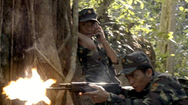 Giằng xé nội tâm với kịch bản phim 'Phía Sau Bóng Tối': Từ mất mát, tổn thương đến nguy hiểm khi đối mặt kẻ thù 5
