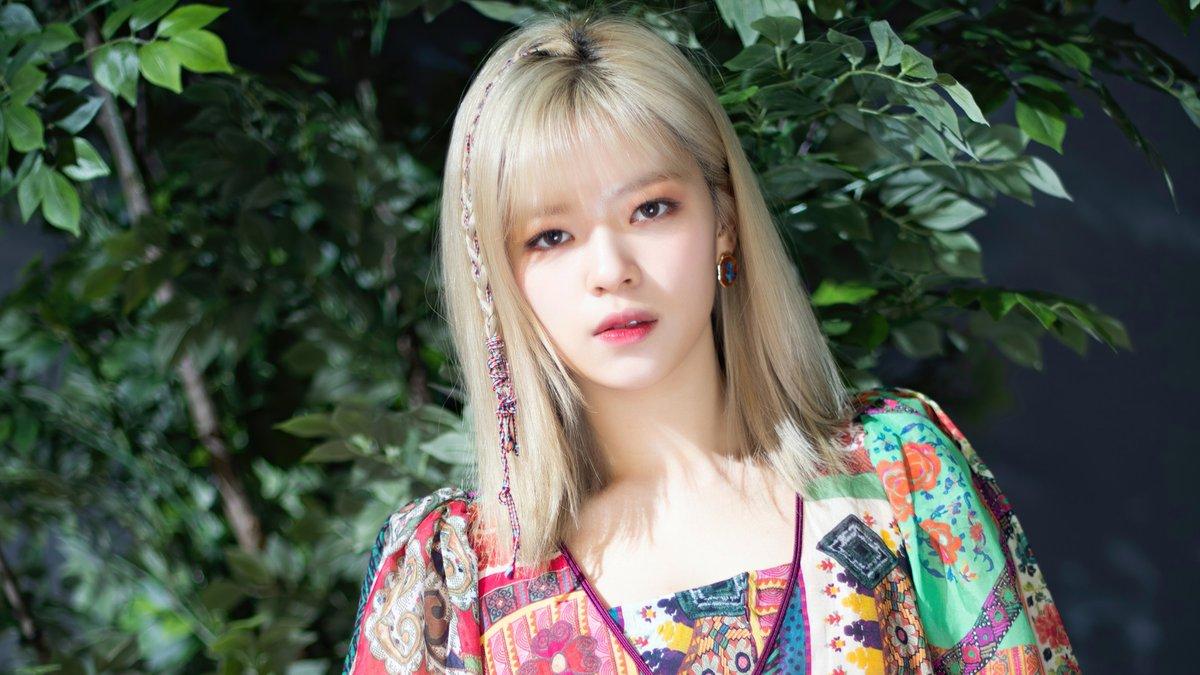 Hậu phẫu thuật thoát vị đĩa đệm cổ, Jungyeon (TWICE) lại khiến fan lo lắng vì mắc chứng lo âu 2