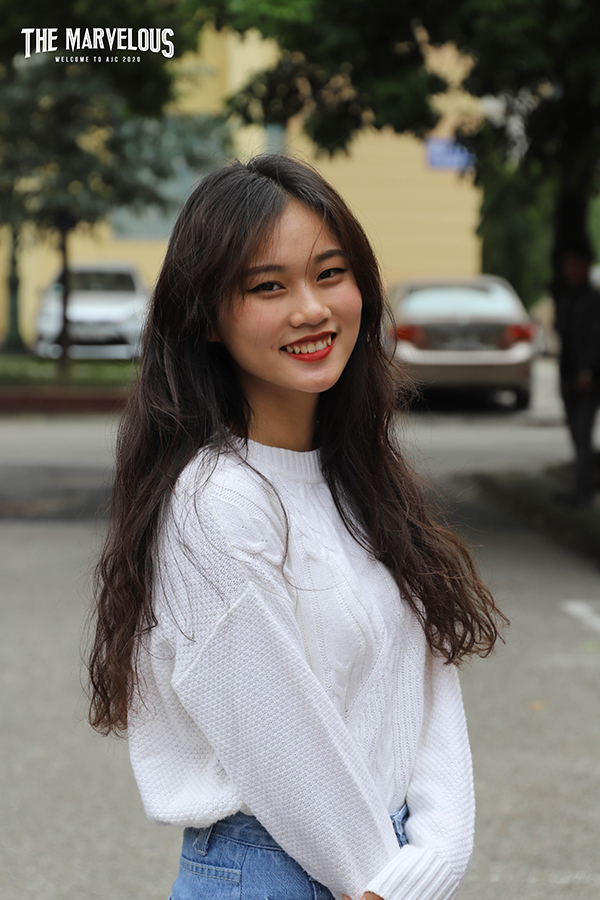 Nụ cười tỏa nắng của cô bạn này chắc chắn sẽ làm 'đốn tim' rất nhiều nam sinh trong trường.