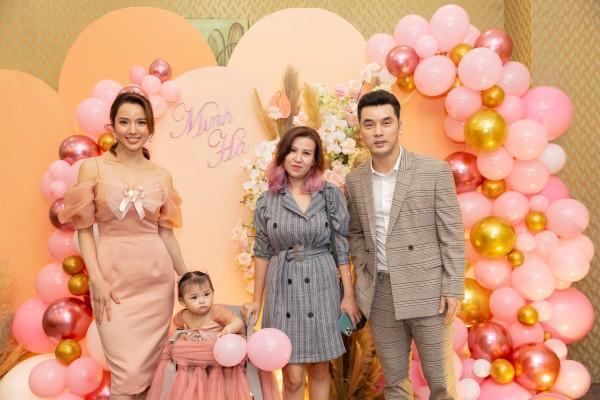 Phạm Quỳnh Anh, Thu Thủy cùng dàn sao Việt mừng sinh nhật con gái Ưng Hoàng Phúc - Kim Cương 3