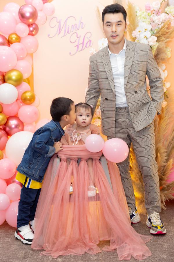 Phạm Quỳnh Anh, Thu Thủy cùng dàn sao Việt mừng sinh nhật con gái Ưng Hoàng Phúc - Kim Cương 6