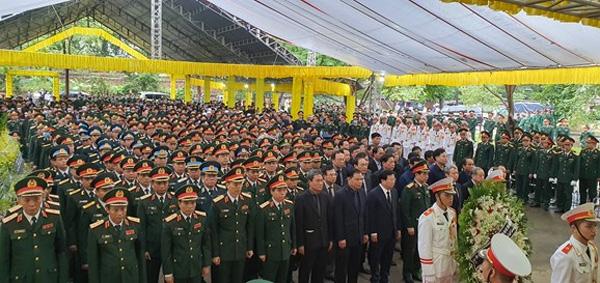 Lễ truy điệu 13 cán bộ, chiến sĩ hy sinh khi làm nhiệm vụ tại thủy điện Rào Trăng 3.