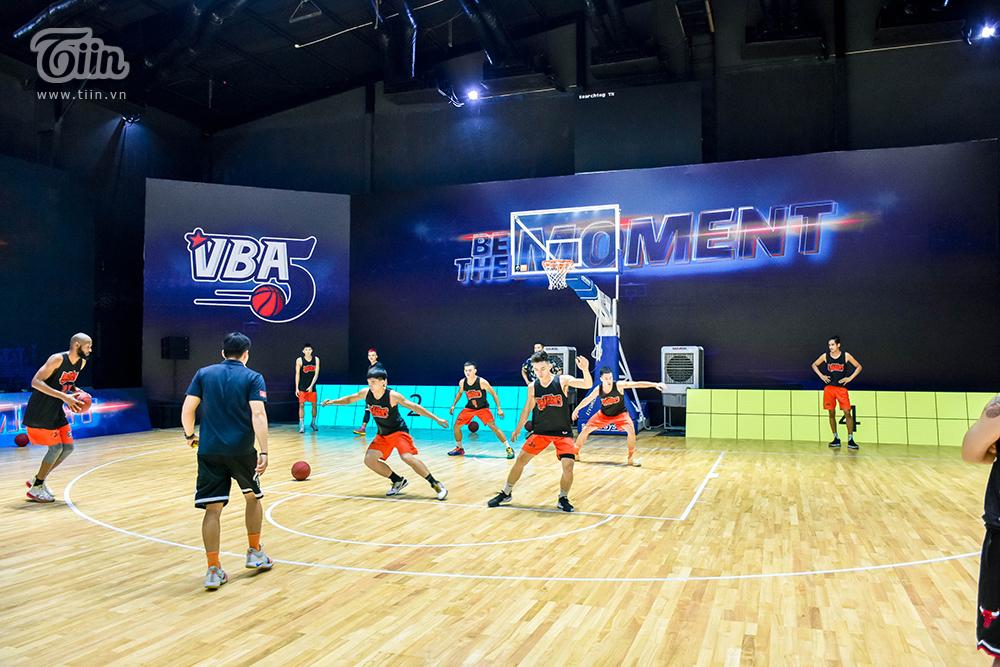 Trong cuộc chia sẻ ngắn, HLV Phan Thanh Cảnh cho biết ông đặt mục tiêu năm nay đội phải vào chung kết.