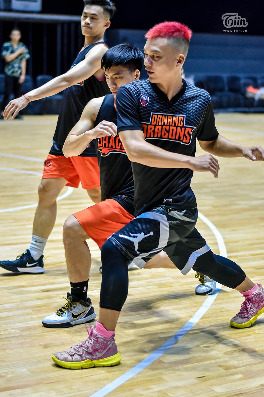 Đội hình bóng rổ Danang Dragons tập luyện căng thẳng sẵn sàng để 'Rồng thức giấc' 14