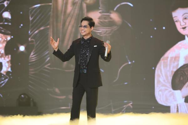 Ngọc Sơn mang thời hoàng kim của 'ông hoàng nhạc sến' trở lại sân khấu 'Bài hát đầu tiên' 0
