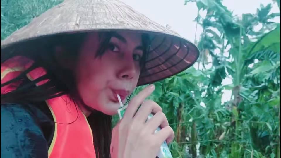 Thủy Tiên vì người dân Quảng Trị tiếp tục hành trình thiện nguyện