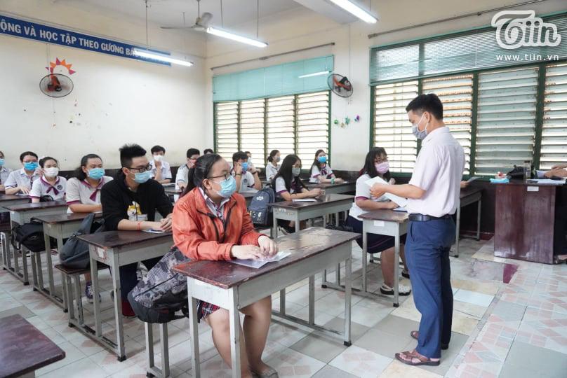 Kỳ thi đại học được chia làm 2 đợt