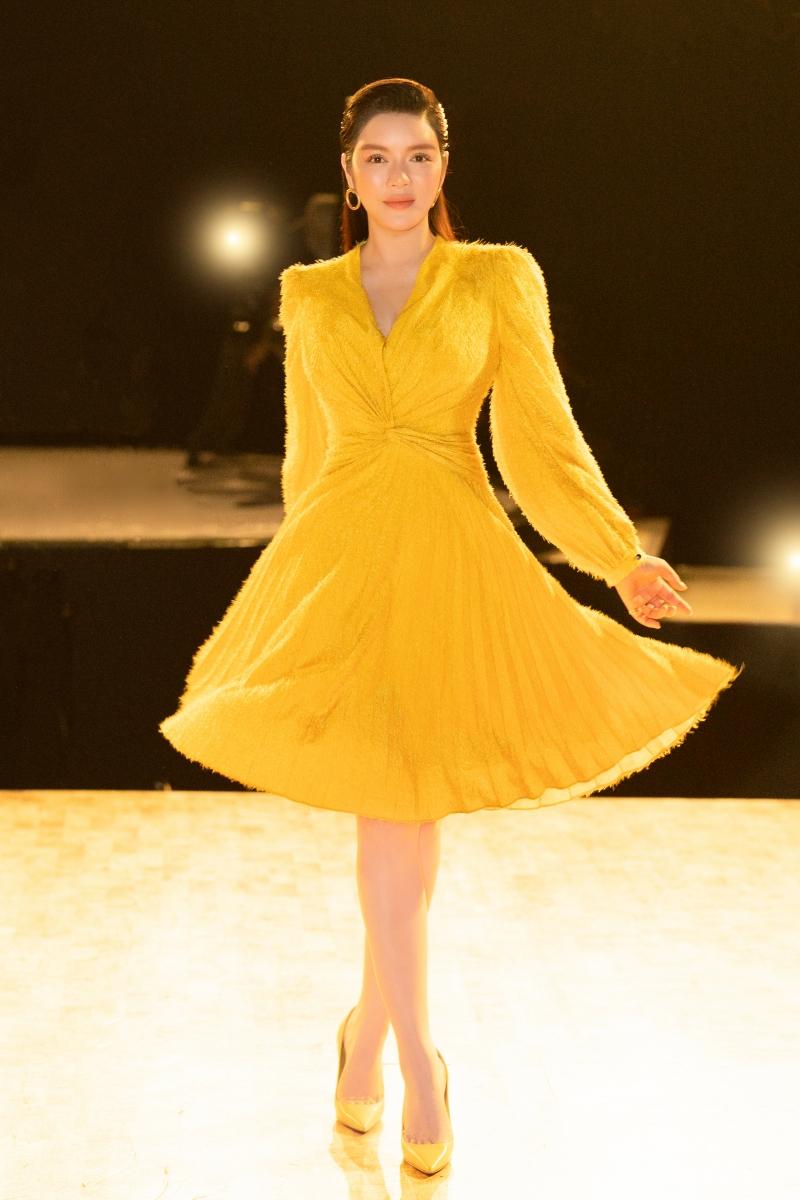Đồng thời, Lãnh sự danh dự Rumani gửi lời cảm ơn đến tất cả các thí sinh vì giúp cô hiểu được 'Đam mê là gì?'và 'Hi sinh vì nghệ thuật ra sao'.