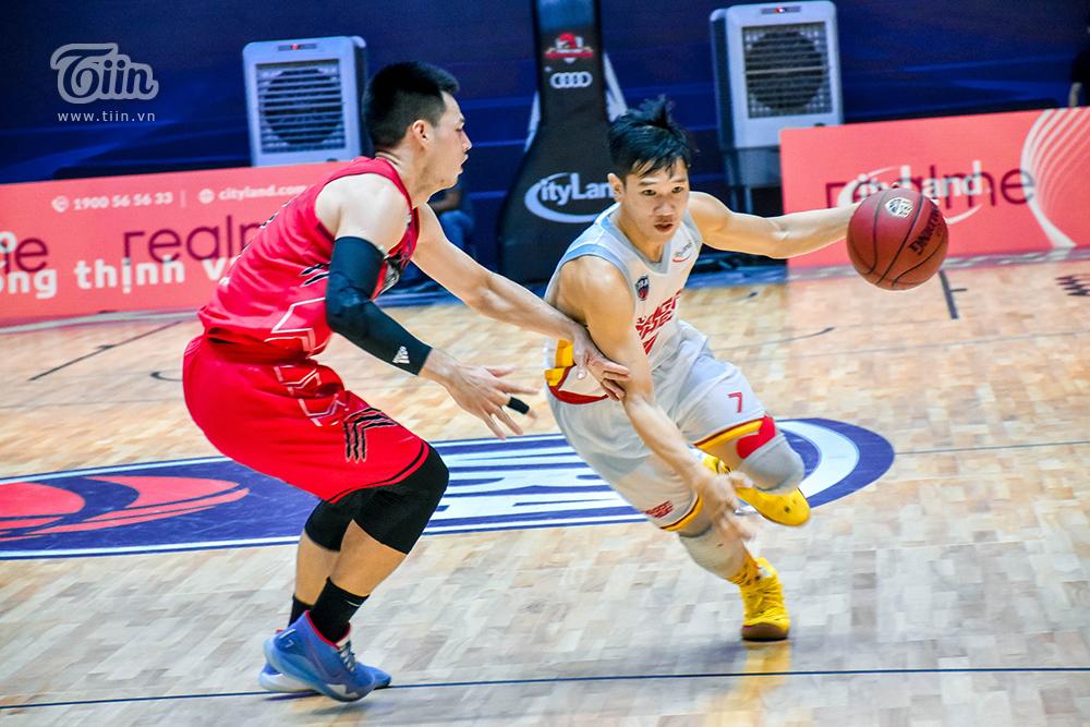 Photo Story: Thang Long Warriors - Saigon Heat đối đầu, fans ví von đây là 'trận chung kết sớm' 5