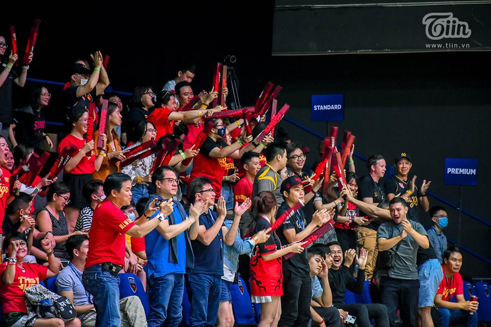 Photo Story: Thang Long Warriors - Saigon Heat đối đầu, fans ví von đây là 'trận chung kết sớm' 16