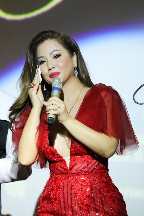 Minh Tuyết hát hơn 20 ca khúc trong minishow mừng sinh nhật 0