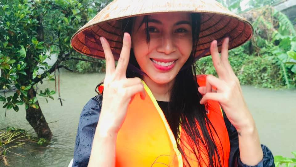 Hiện tại, đoàn của Thủy Tiên đang di chuyển đến Quảng Bình để cứutrợ ngươi dân nơi đây.
