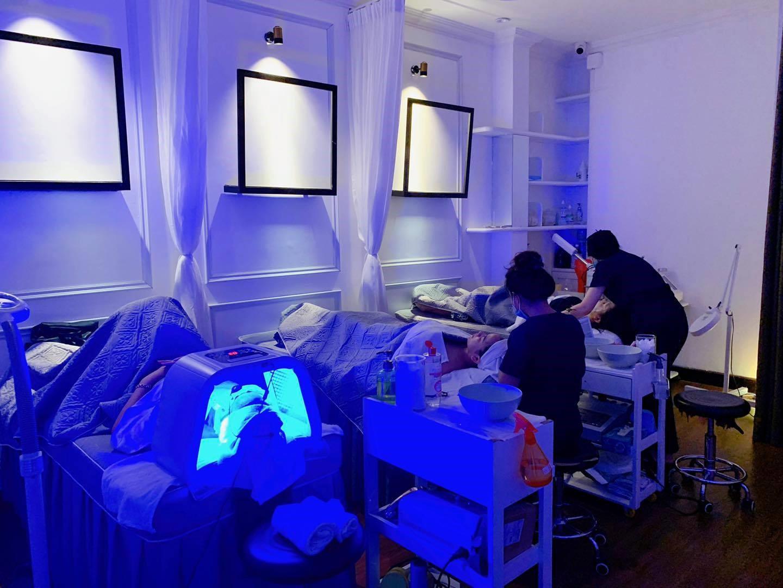 Hơn 1000 khách hàng tin tưởng khám và điều trị mỗi tháng tại Vy Paris Boutique 1