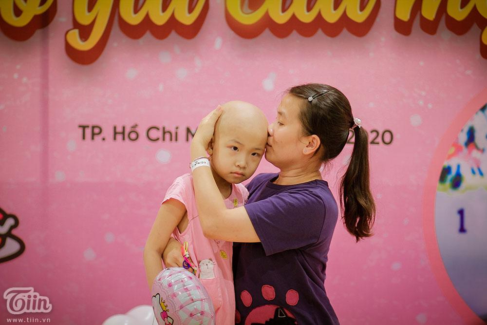 Chị Tuyết luôn mong có thật nhiều sức khỏe để chăm sóc con mỗi ngày