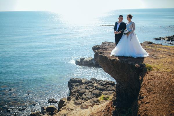 Thậm chí các cặp cô dâu chú rể cũng đến đây để chụp ảnh cưới.