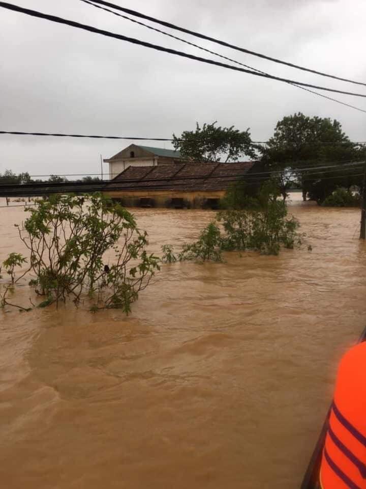 Mưa lũ hầunhư đãnhấn chìm tất cả làng xã ở Quảng Bình