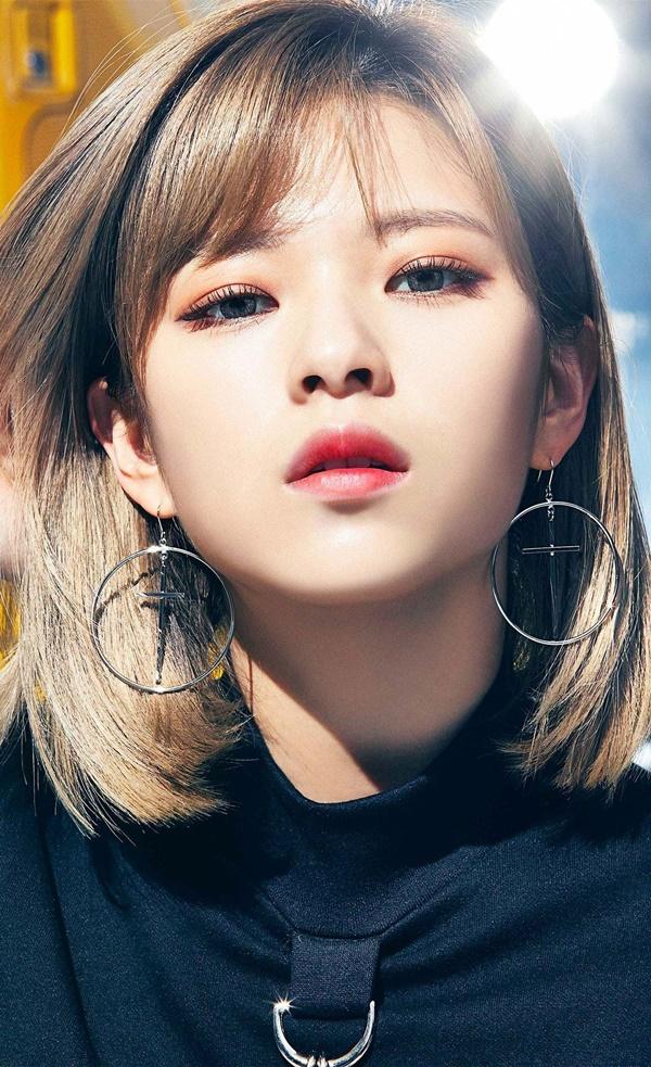 Tuy nhiên, Jungyeon sẽ không góp mặt trong hoạt động lần này vì cô nàng đang có vấn đề về sức khỏe.