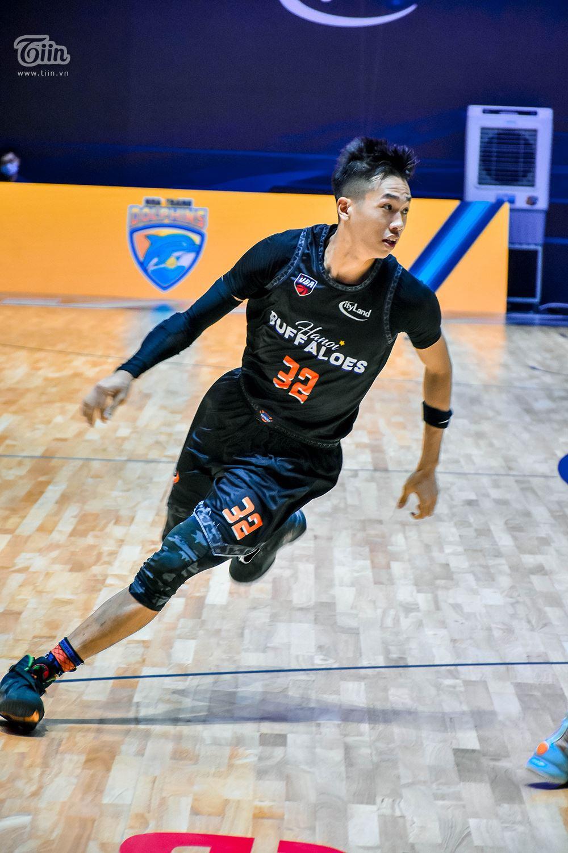 Cùng xem loạt khoảnh khắc thi đấu của Sang Đinh trong trận đấu tối nay.