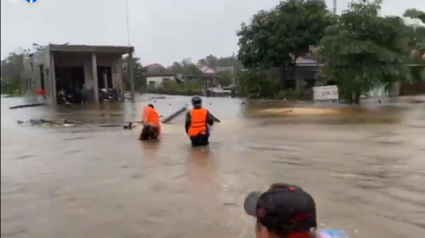 Thủy Tiên tuyên bố sau lũ ngoài xây lại nhà cho người dân còn xây thêm nhà tập thể đề phòng mưa bão 2