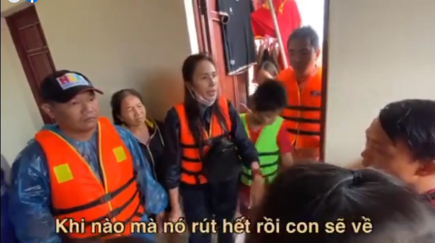 Thủy Tiên tuyên bố sau lũ ngoài xây lại nhà cho người dân còn xây thêm nhà tập thể đề phòng mưa bão 9