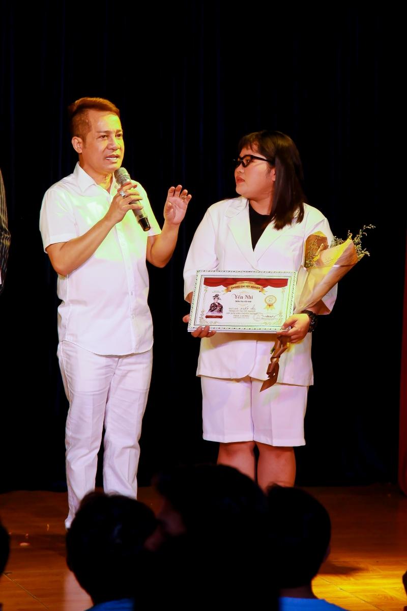 Trong các khóa học trò tốt nghiệp từ lò đào tạo của sân khấu kịch Minh Nhí, danh hài dành nhiều tâm đắc với K4MN.