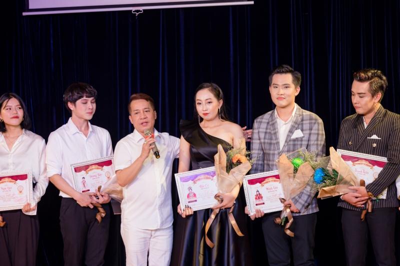 Danh hài Minh Nhí tự hào về K4MN: Vừa tốt nghiệp đã chạy show đóng phim, làm MC 3