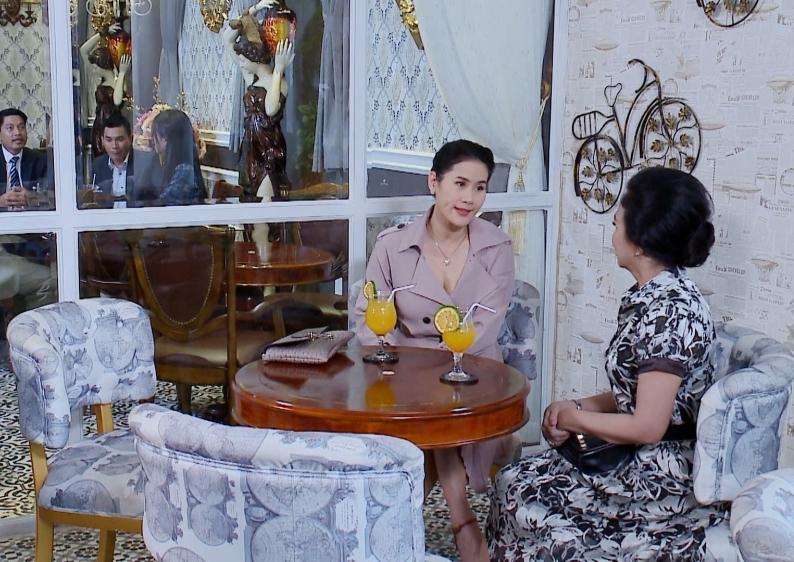 Vua bánh mì tập 24-25: 'Tiểu tam' Trương Mỹ Nhân bị 'chính cung' tát dằn mặt trong ngày đầu đi làm 10