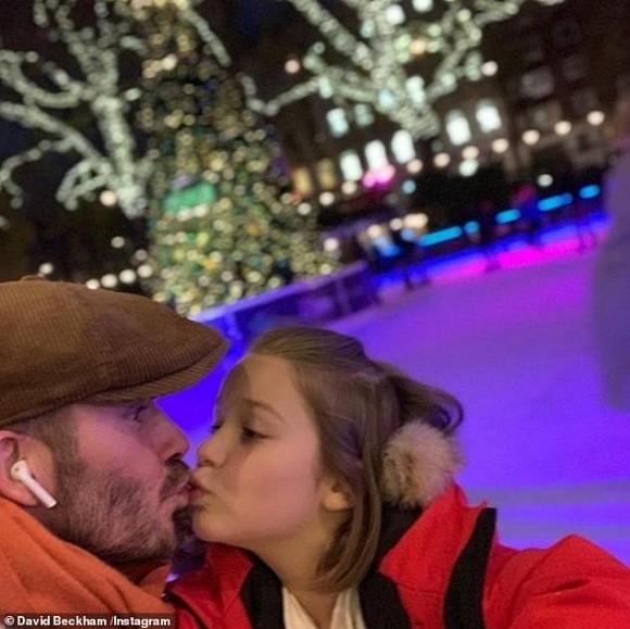 Beckham thường xuyên khoe ảnh hôn môi Harper