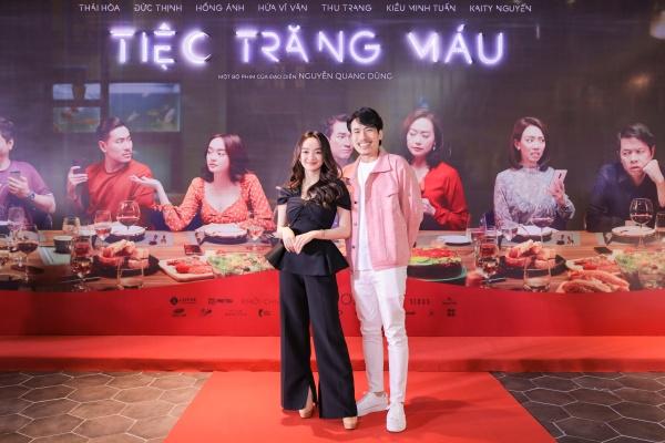 Trong Tiệc trăng máu, cặp đôi Kaity Nguyễn và Kiều Minh Tuấn tái hợp trong vai cặp đôi vợ chồng chưa cưới.