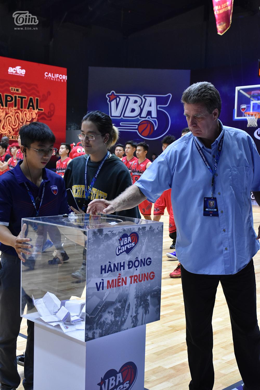 Hành động nhân văn trong giải đấu bóng rổ chuyên nghiệp Việt Nam