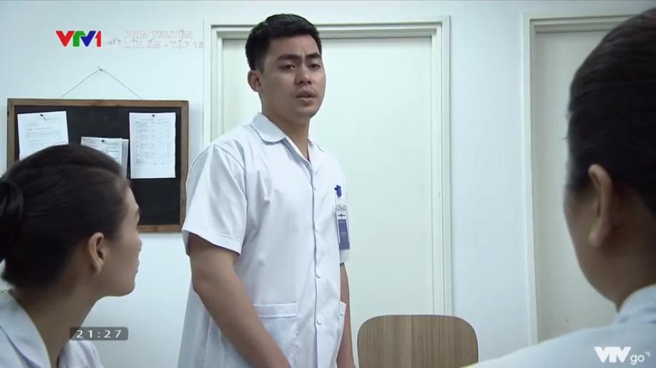 'Lửa ấm' tập 15: Làm ơn mắc oán, Thủy (Thúy Hằng) vừa bị đồng nghiệp trách, vừa phải bỏ tiền túi đền bệnh viện 0