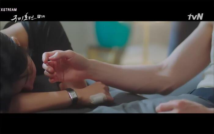 'Bạn trai tôi là hồ ly' tập 5: Lee Dong Wook hôn Jo Bo Ah say đắm, xác nhận chuyện tình tiền kiếp 8