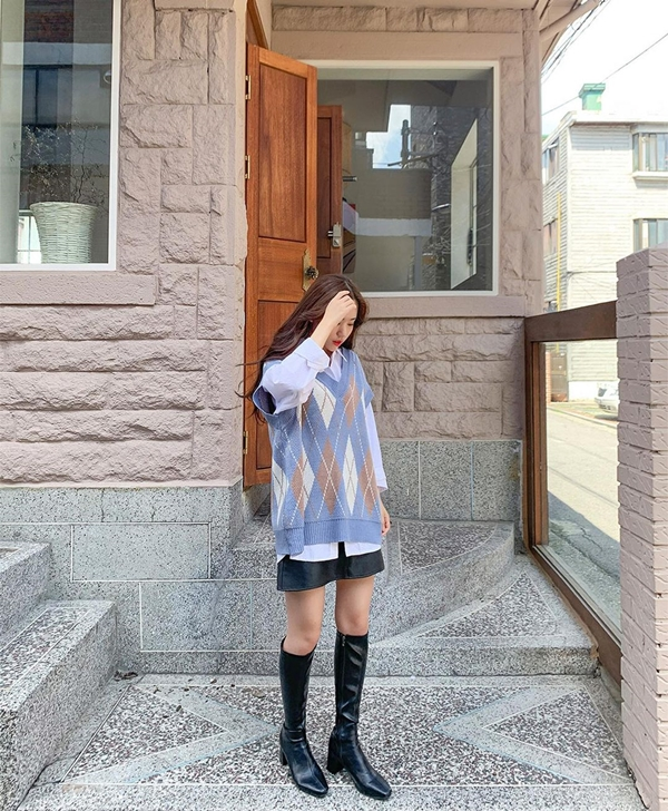Để có style mùa lạnh chuẩn như gái Hàn, đây là 7 item mà các nàng không thể bỏ lỡ 13
