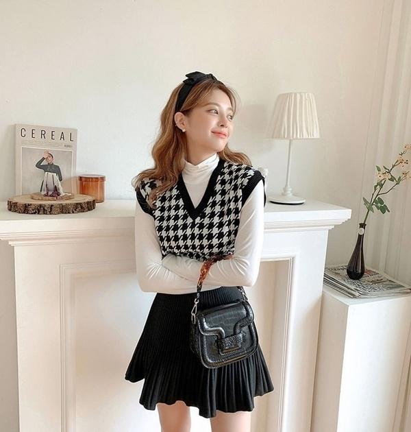 Để có style mùa lạnh chuẩn như gái Hàn, đây là 7 item mà các nàng không thể bỏ lỡ 14