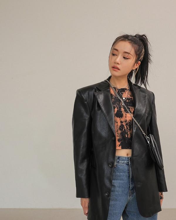Để có style mùa lạnh chuẩn như gái Hàn, đây là 7 item mà các nàng không thể bỏ lỡ 17
