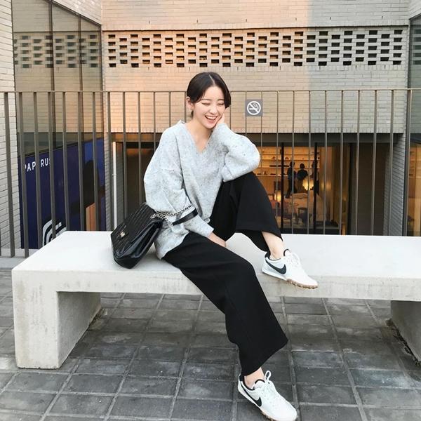 Để có style mùa lạnh chuẩn như gái Hàn, đây là 7 item mà các nàng không thể bỏ lỡ 25