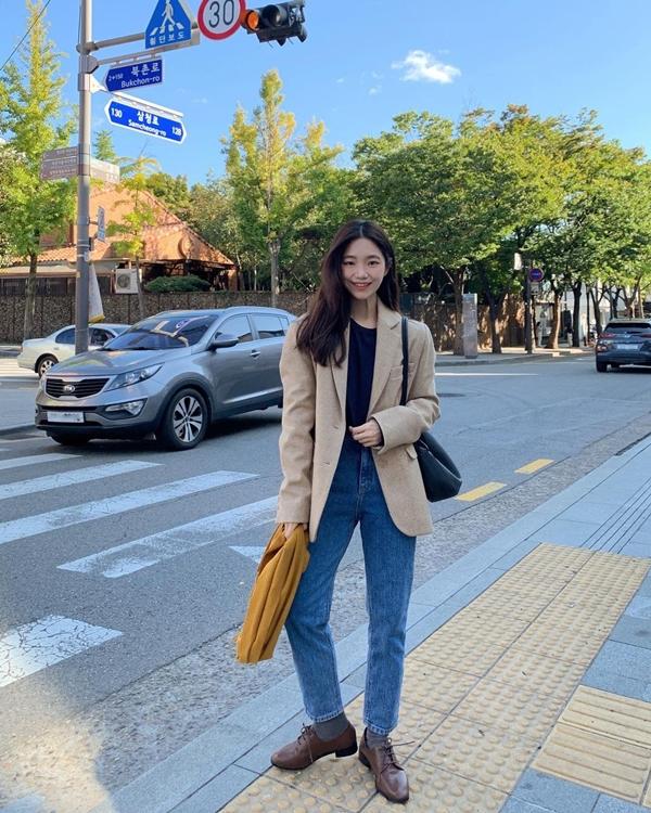 Để có style mùa lạnh chuẩn như gái Hàn, đây là 7 item mà các nàng không thể bỏ lỡ 28