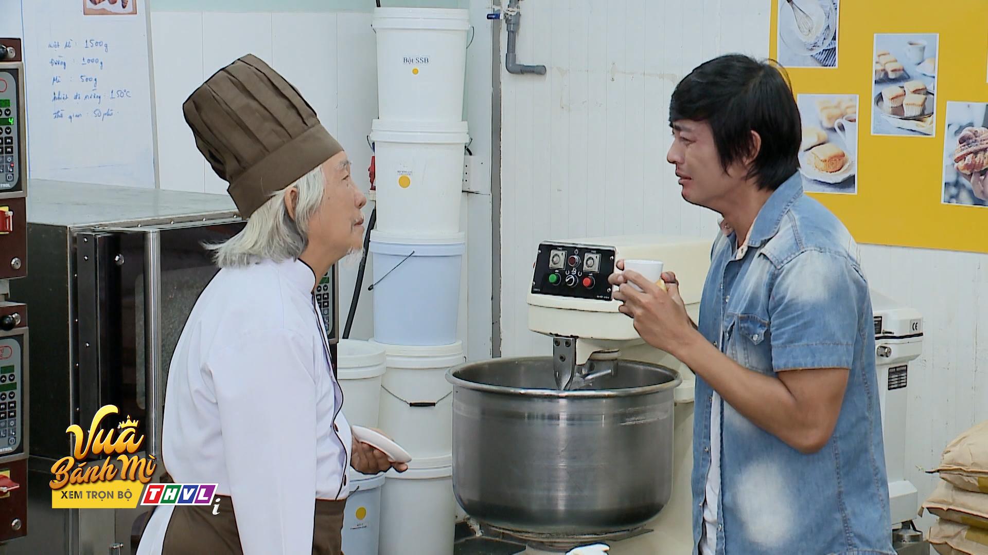 'Vua bánh mì' tập 26: 'Không ai cho lương thiện', Hữu Nguyệnleo rào đột nhập nhà bà Khuê để trả thù 1