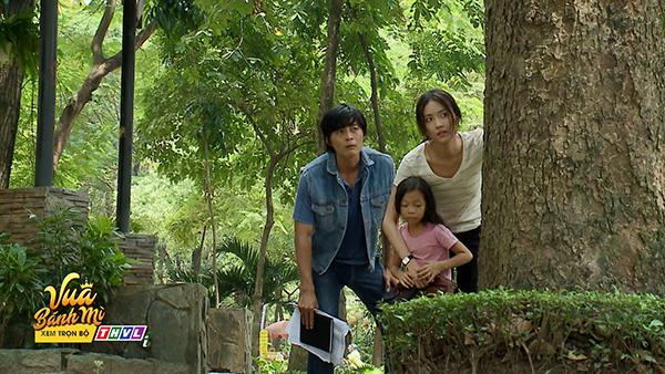 'Vua bánh mì' tập 26: 'Không ai cho lương thiện', Hữu Nguyệnleo rào đột nhập nhà bà Khuê để trả thù 9