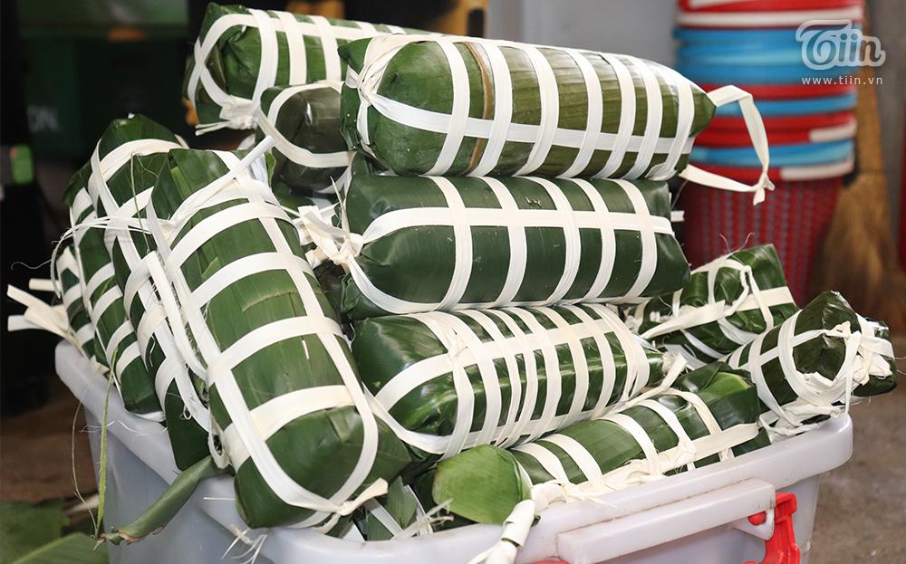 Những chiếc bánh tét đại diện cho tinh thần đoàn kết, tương trợ lẫn nhau của dân tộc Việt Nam