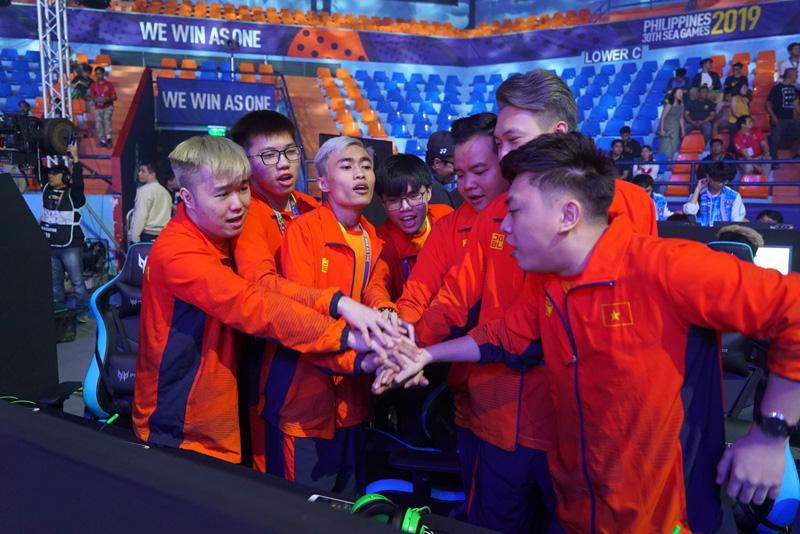 Đội tuyển Liên quân Mobile Việt Nam tại SEA Games 30 (Philippines).
