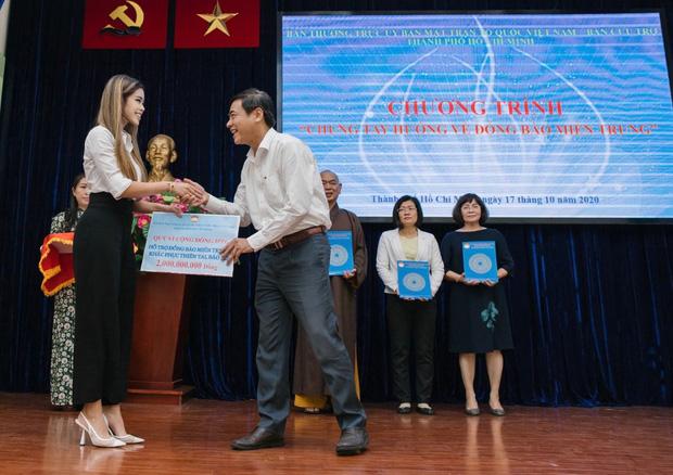 Tiên Nguyễn tiếp tục ủng hộ người nghèo Thành phố Hồ Chí Minh 1 tỷ đồng 2